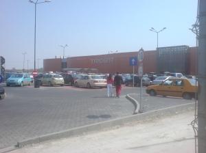 Trident si parcarea plina in zilele deschiderii (13.04.2009)